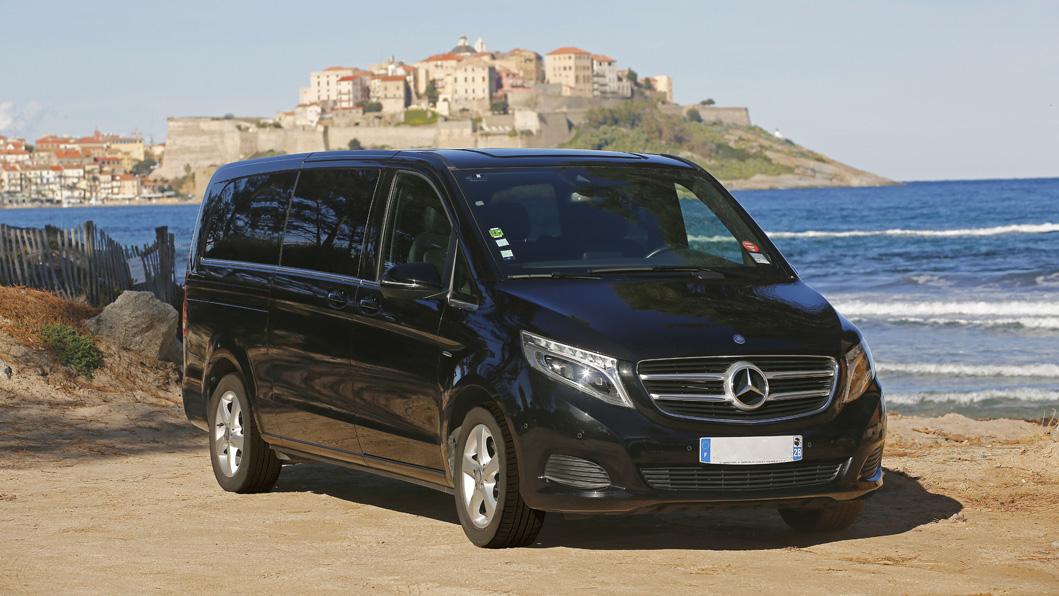 Mariani Limousines, une flotte de voitures et vans de Luxe avec chauffeurs